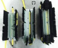 Компания из Гонконга предлагает мойщикам окон собирать «миллион» щеток из одного конструктора