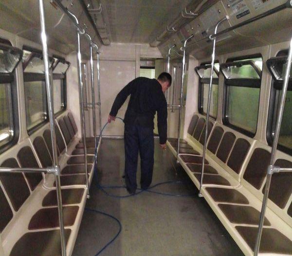 преспрей в вагонах метрополитена